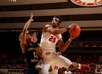 Key has big night to lead Crimson Tide basketball team over Buccaneers (via Crimson Magazine)